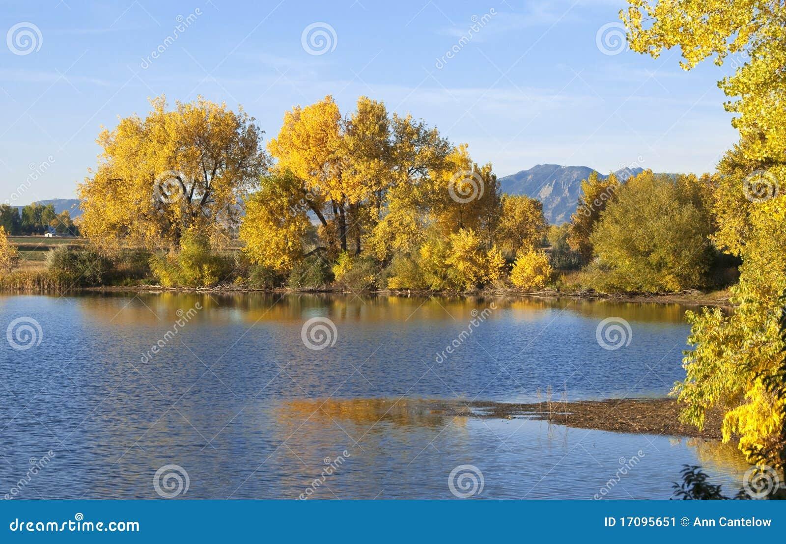 прерия озера осени