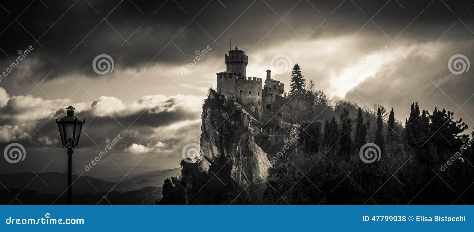 Преследовать замок в небе