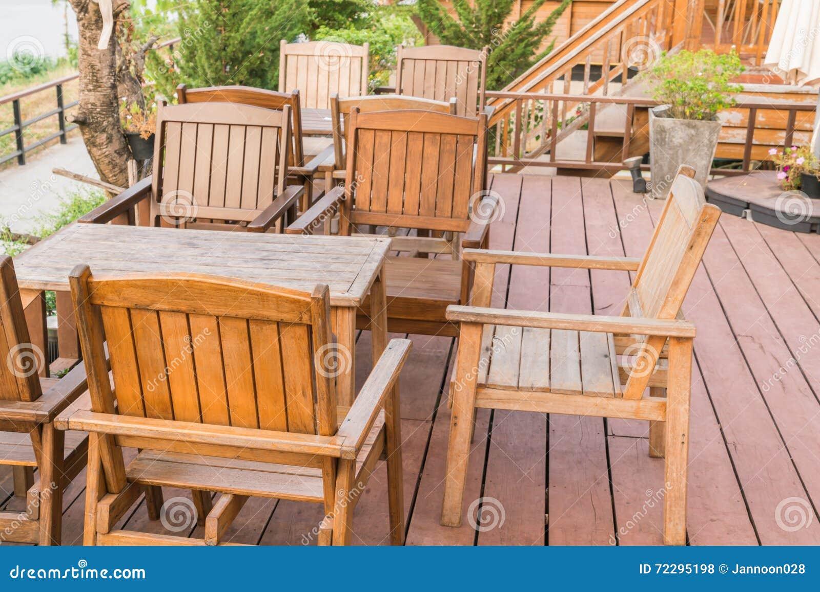 Download предводительствует напольные таблицы Стоковое Фото - изображение насчитывающей курорт, еда: 72295198