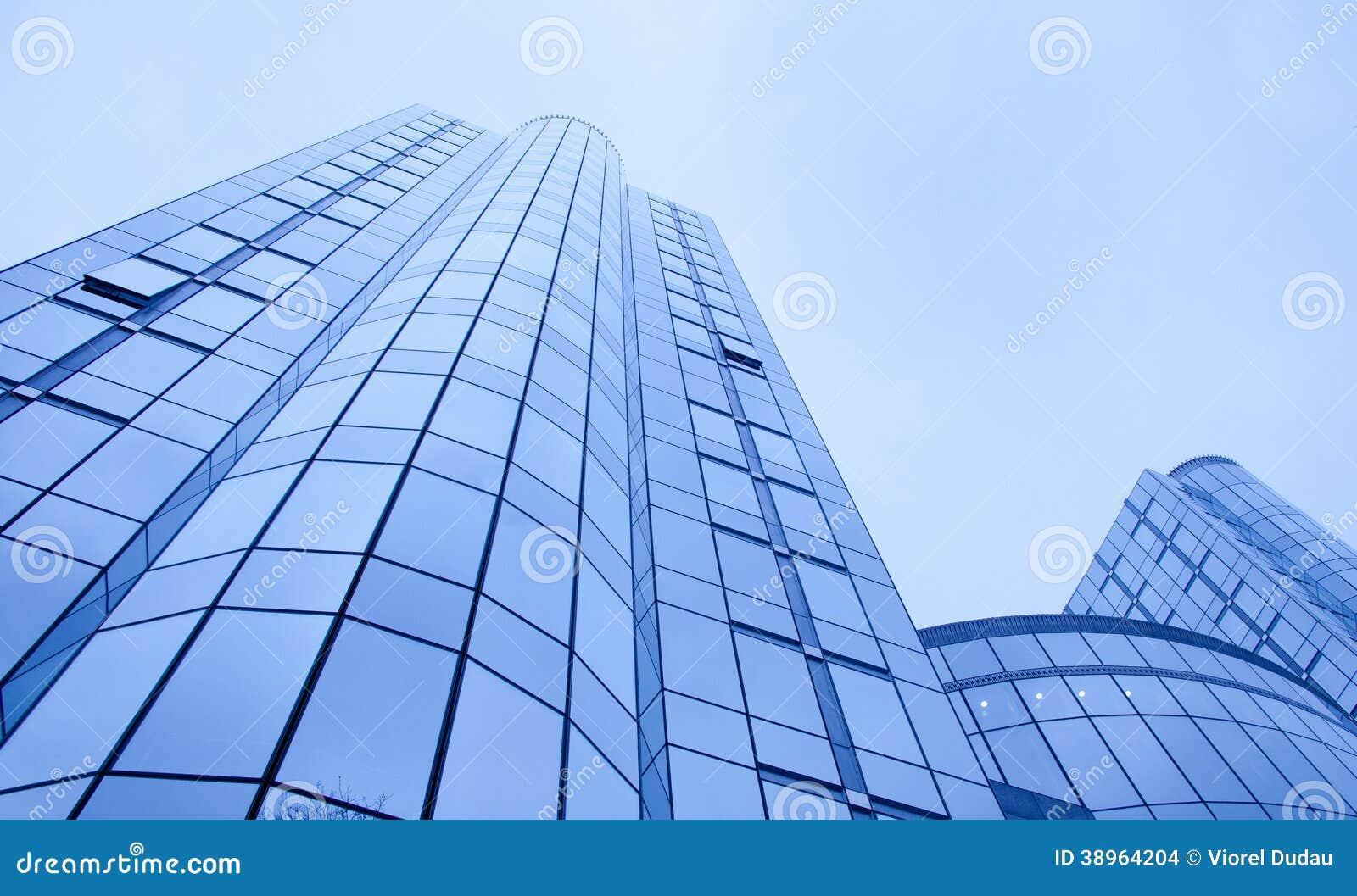 Предпосылка дела офисных зданий