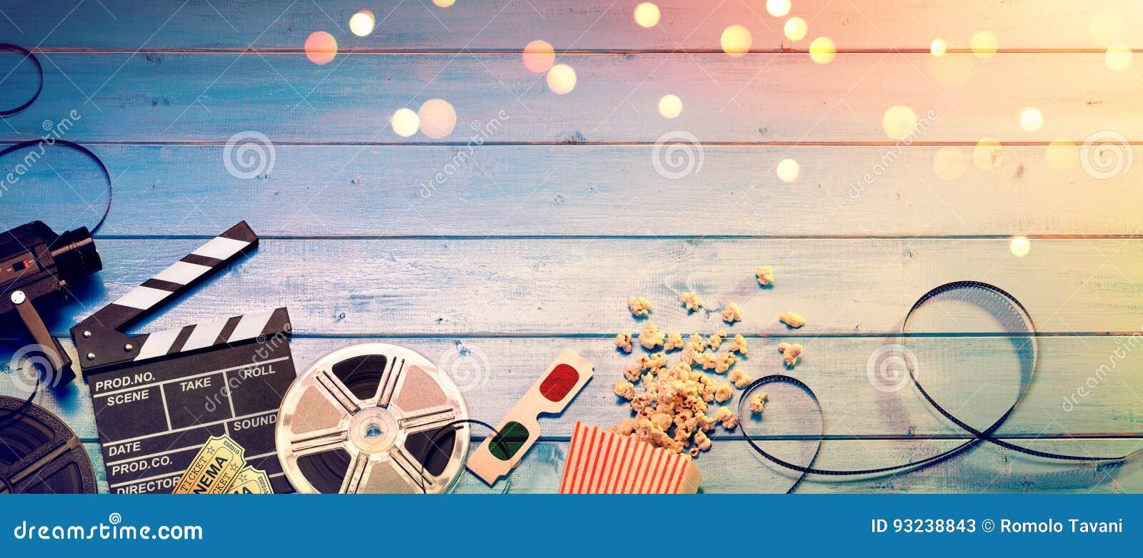 Предпосылка фильма кино - винтажное влияние - камера с Clapperboard