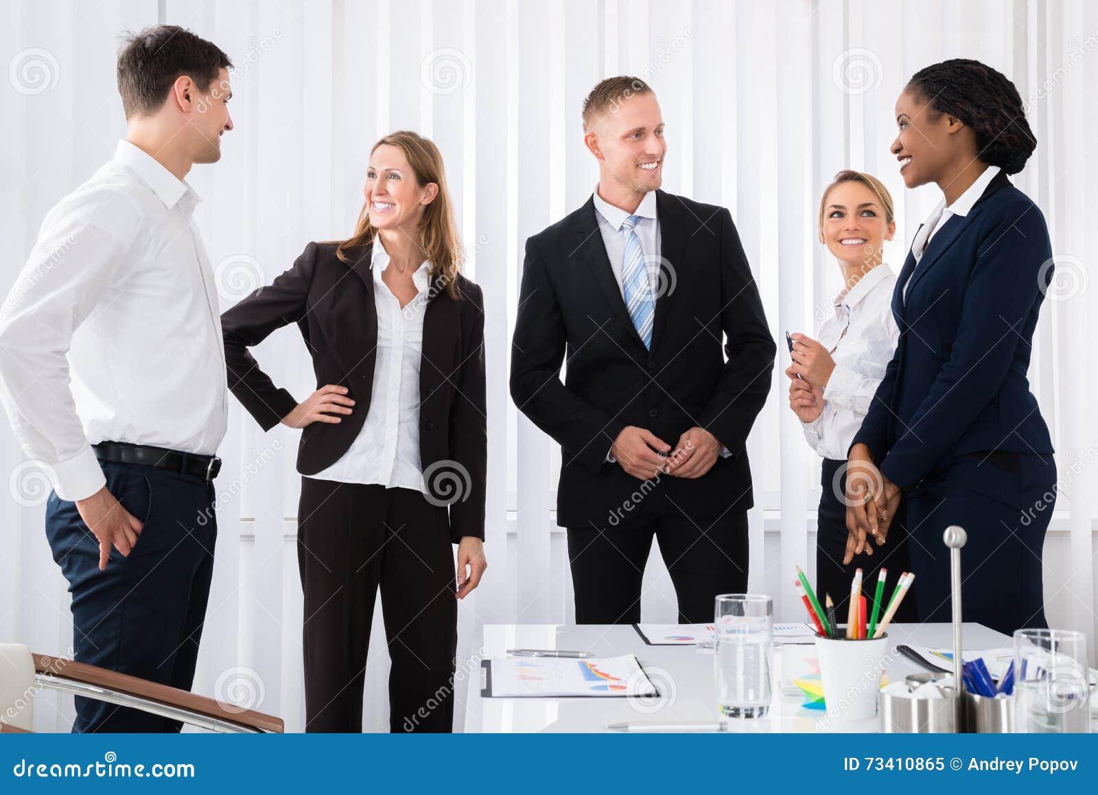 Предприниматели имея переговор