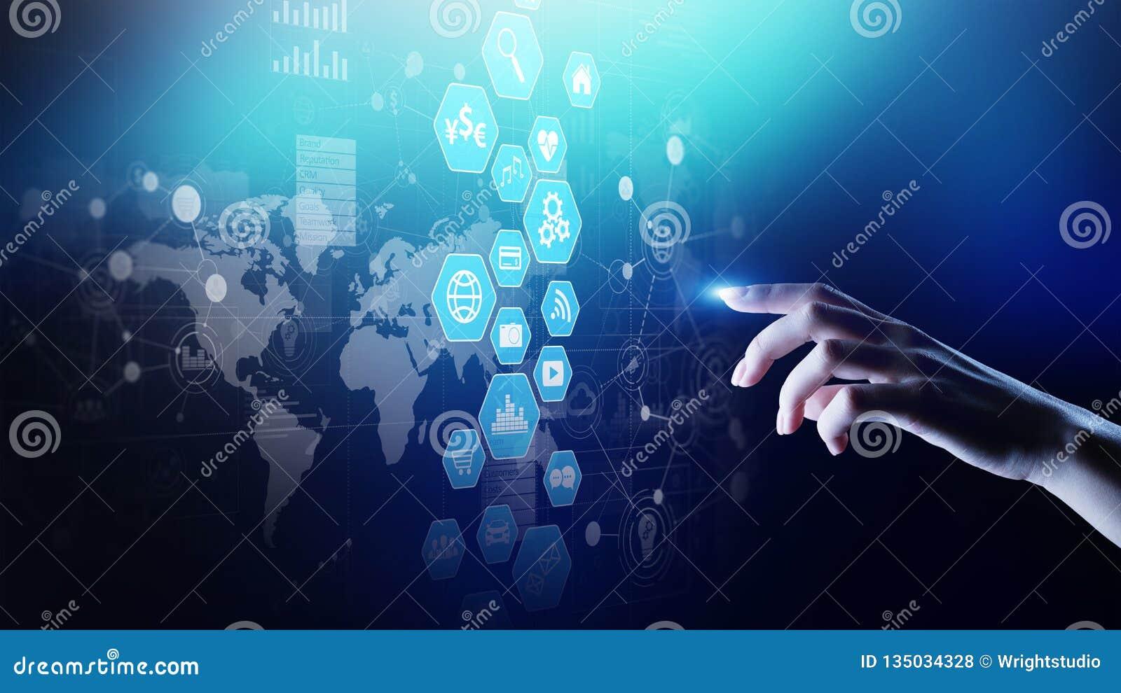 Приборная панель интеллектуального ресурса предприятия, анализа данных с диаграммами значков и диаграмма на виртуальном экране