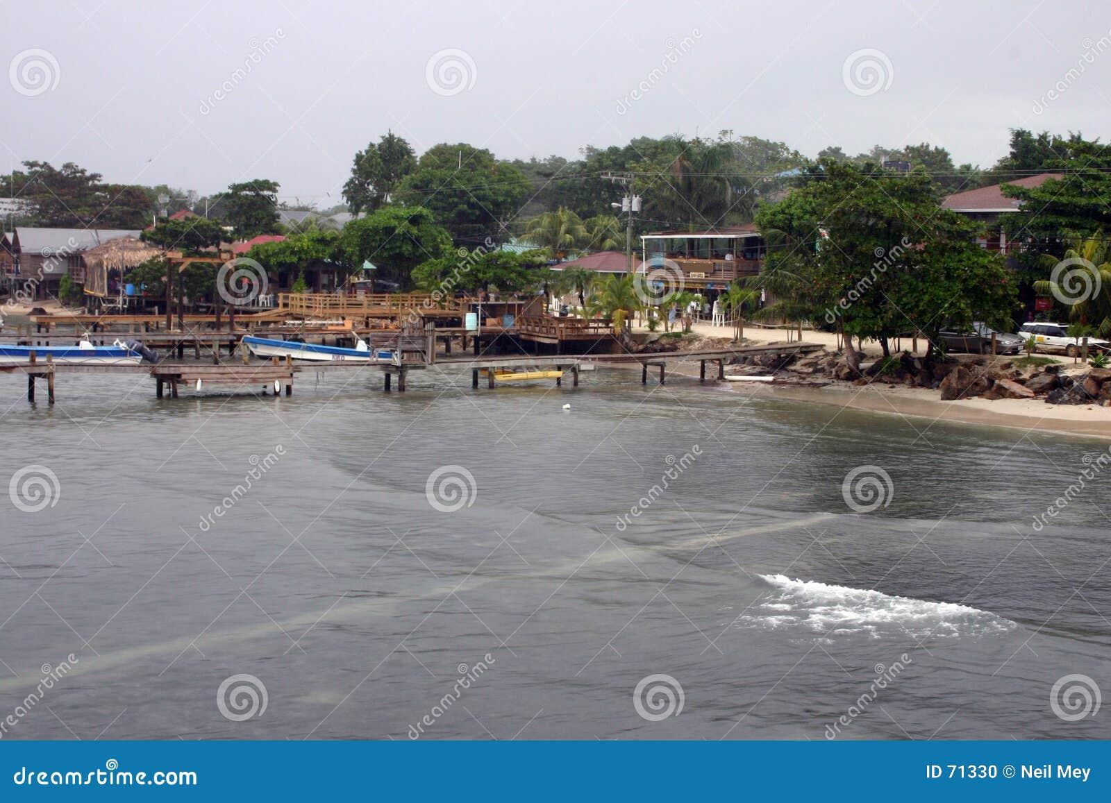 прибрежные roatan воды