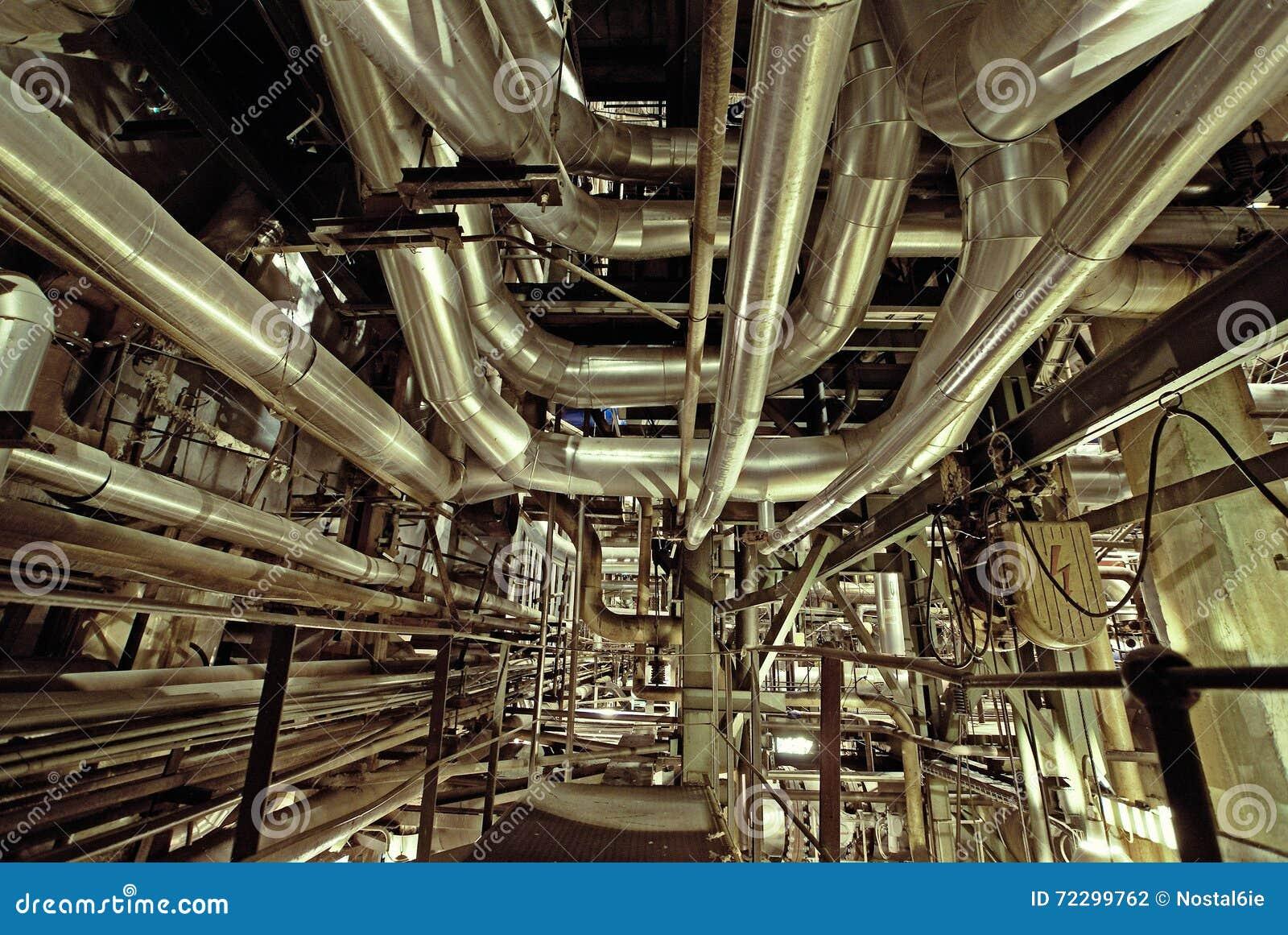 Download привязывает тубопровод оборудования Стоковое Фото - изображение насчитывающей металл, backhoe: 72299762