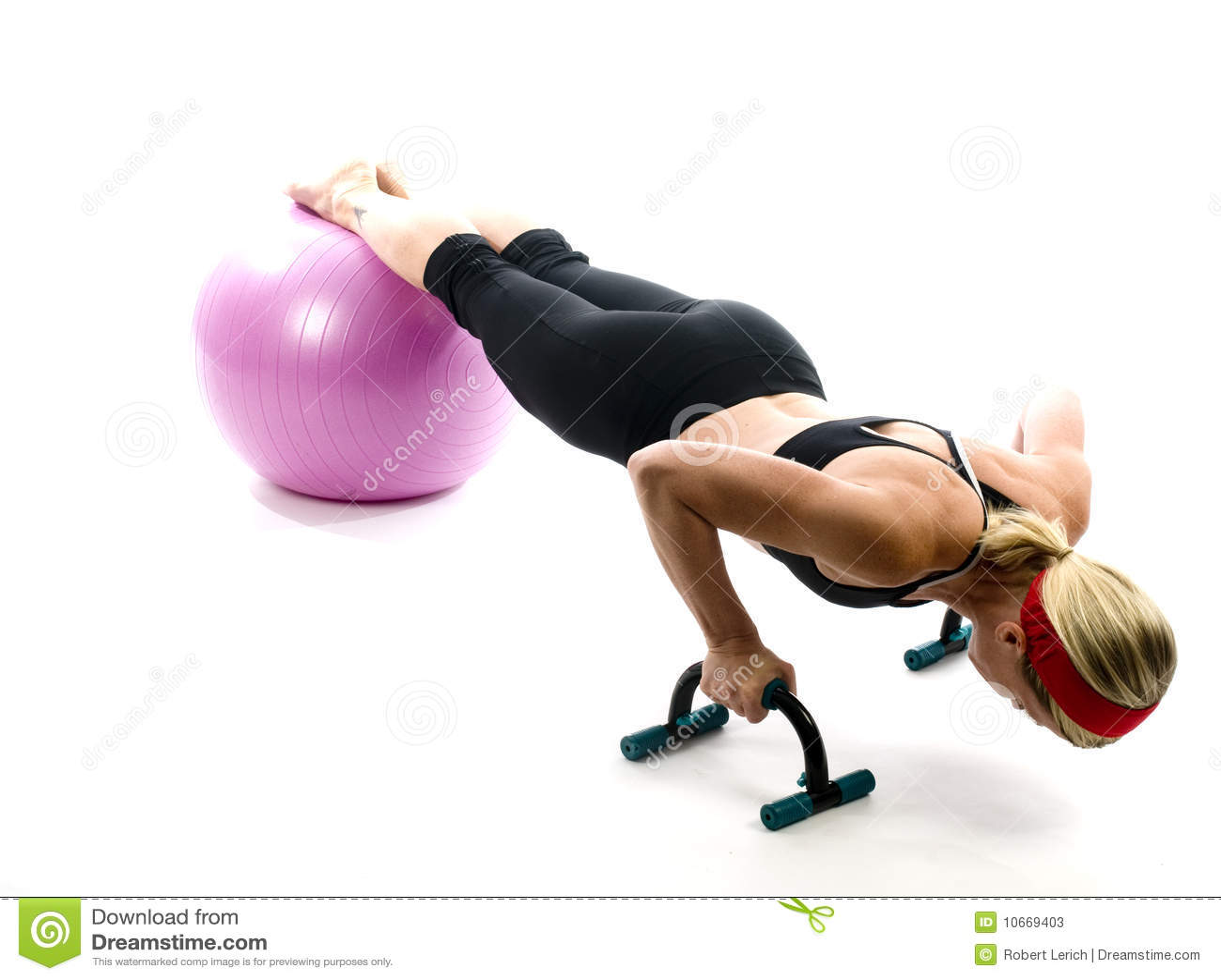пригодность штанг шарика нажимает вверх женщину