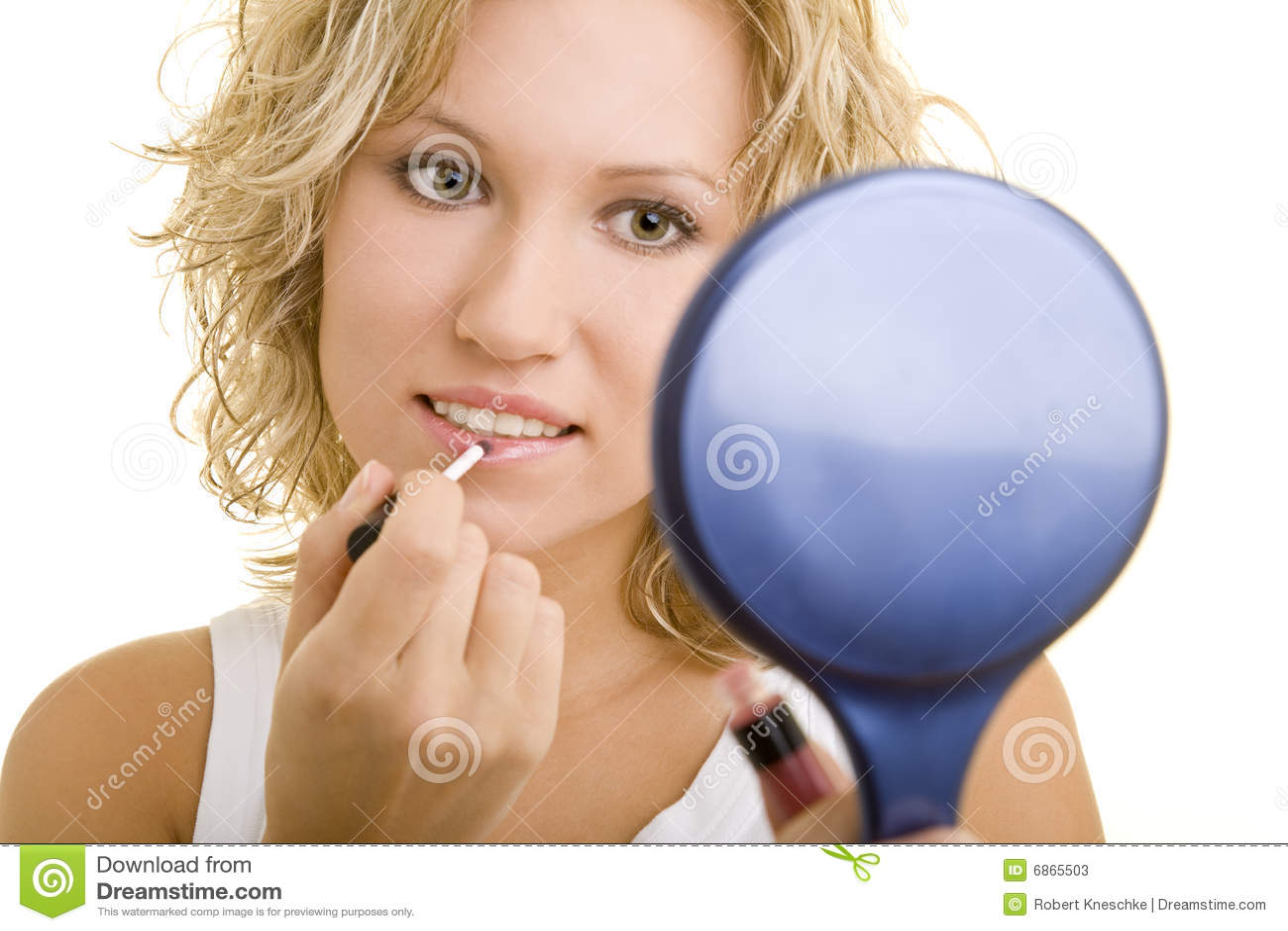 прикладывать lipgloss