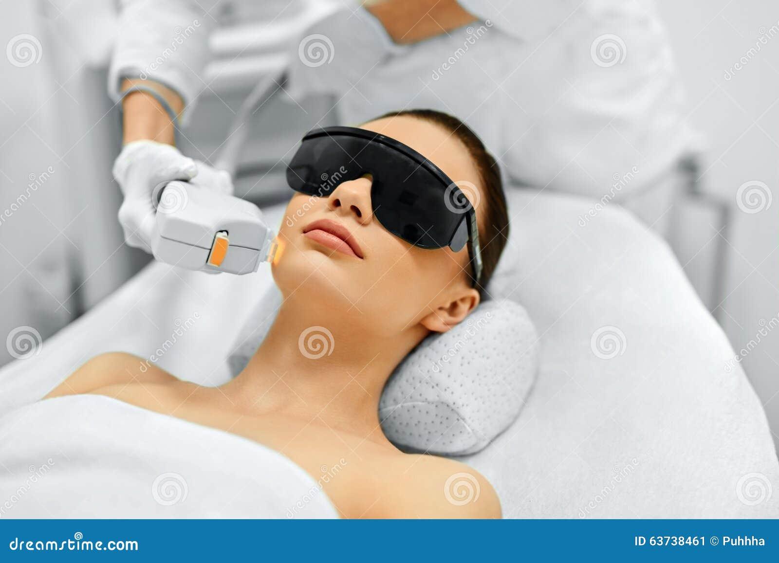 прикладывать политуру кожи внимательности прозрачную Косметика стороны IPL Терапия ухода за лицом фото ans