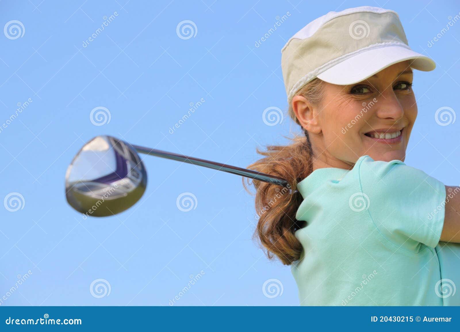 принимать качания игрока в гольф