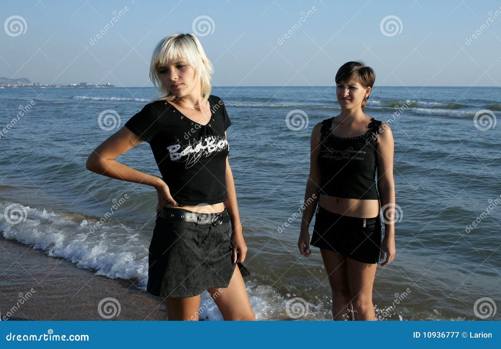 пристаньте девушок к берегу 2