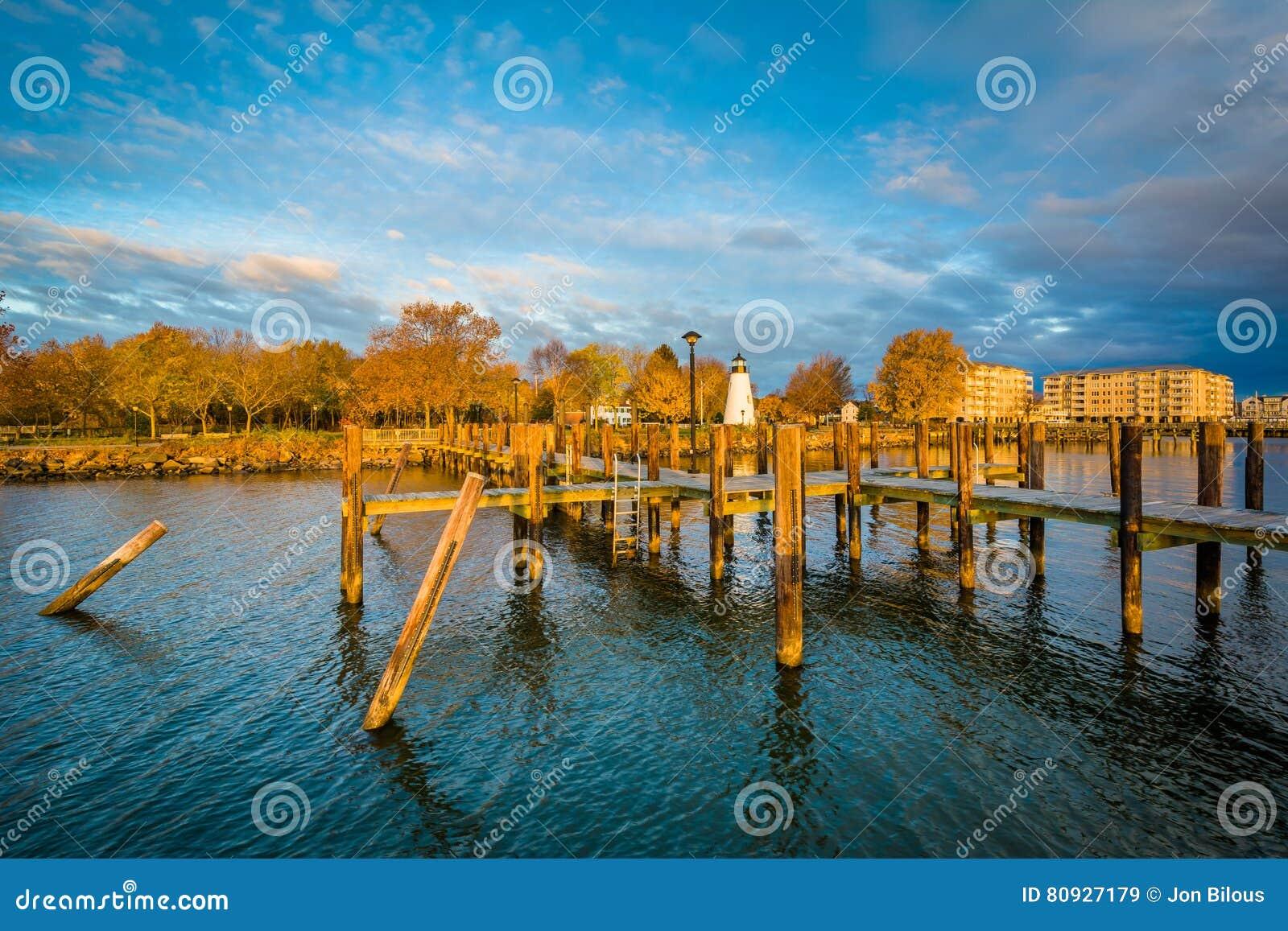 Пристань и согласие указывают маяк в Гавре de Грейсе, Мэриленде
