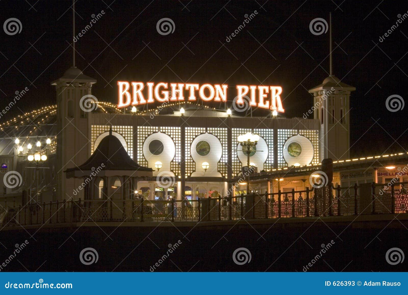 пристань ночи brighton Англии южная