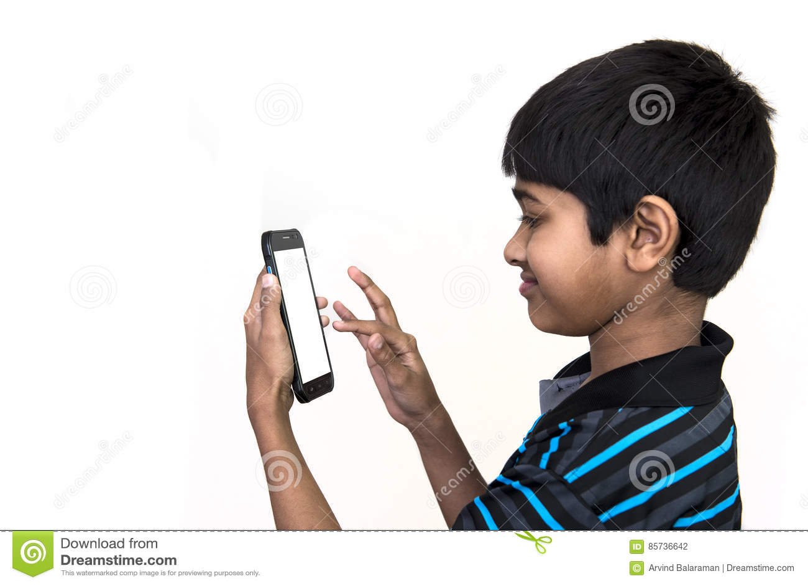 Пристрастившийся к телефону