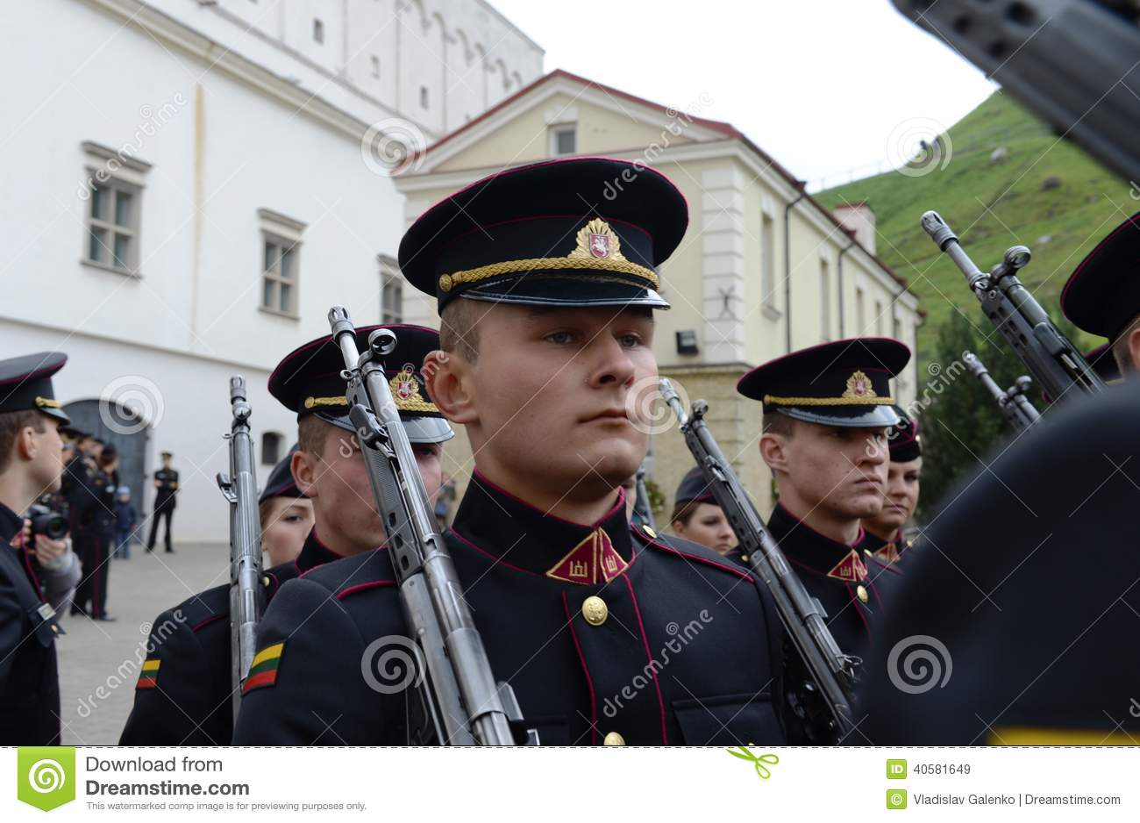 Присягать-в литовской военной академии
