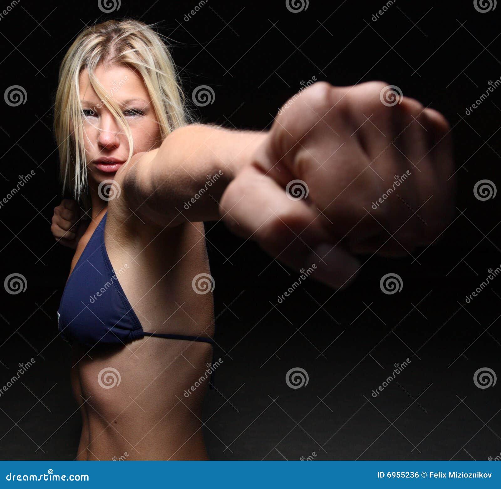 Фото пробитой женщины 15 фотография