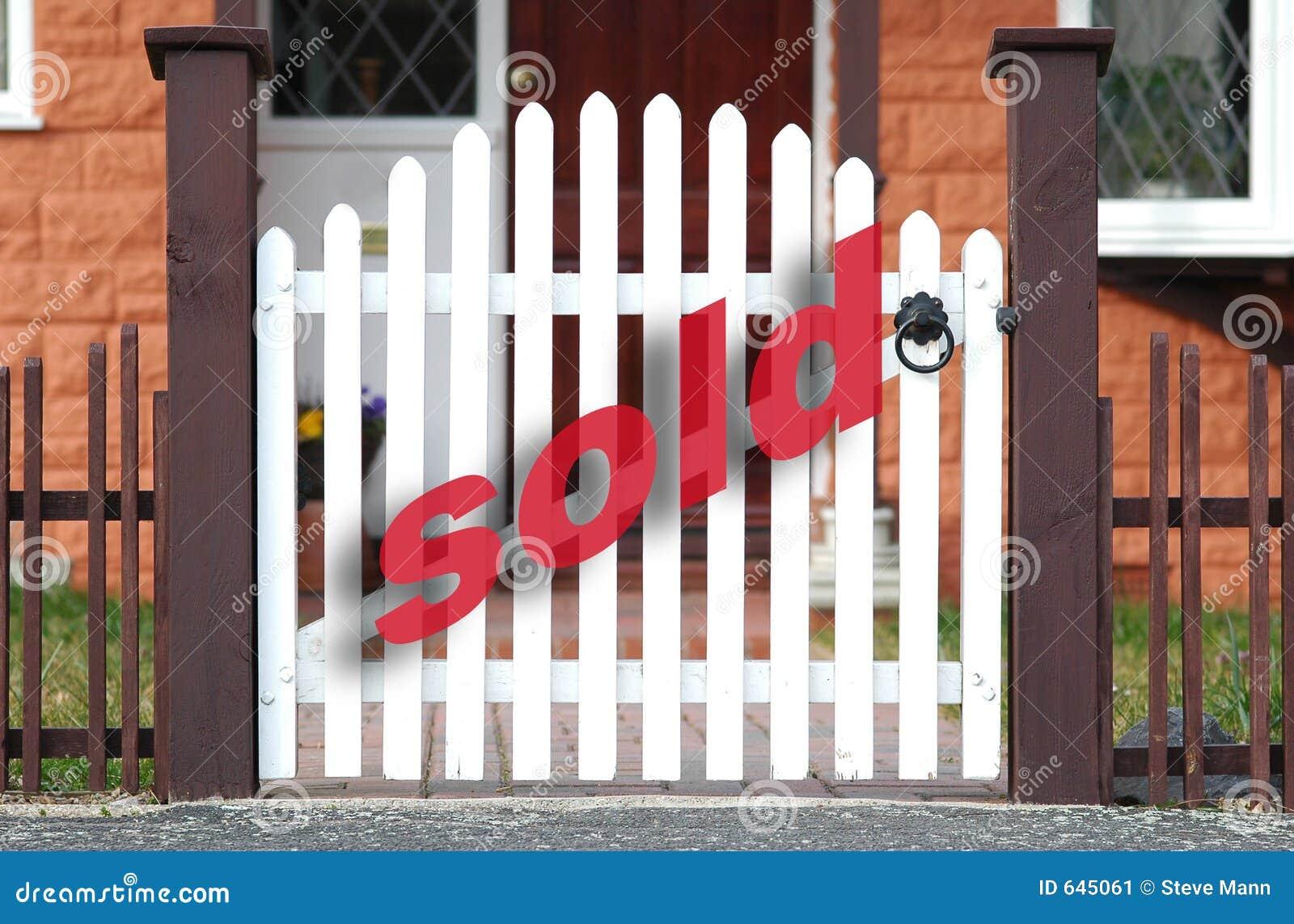 Download продано стоковое изображение. изображение насчитывающей домоец - 645061
