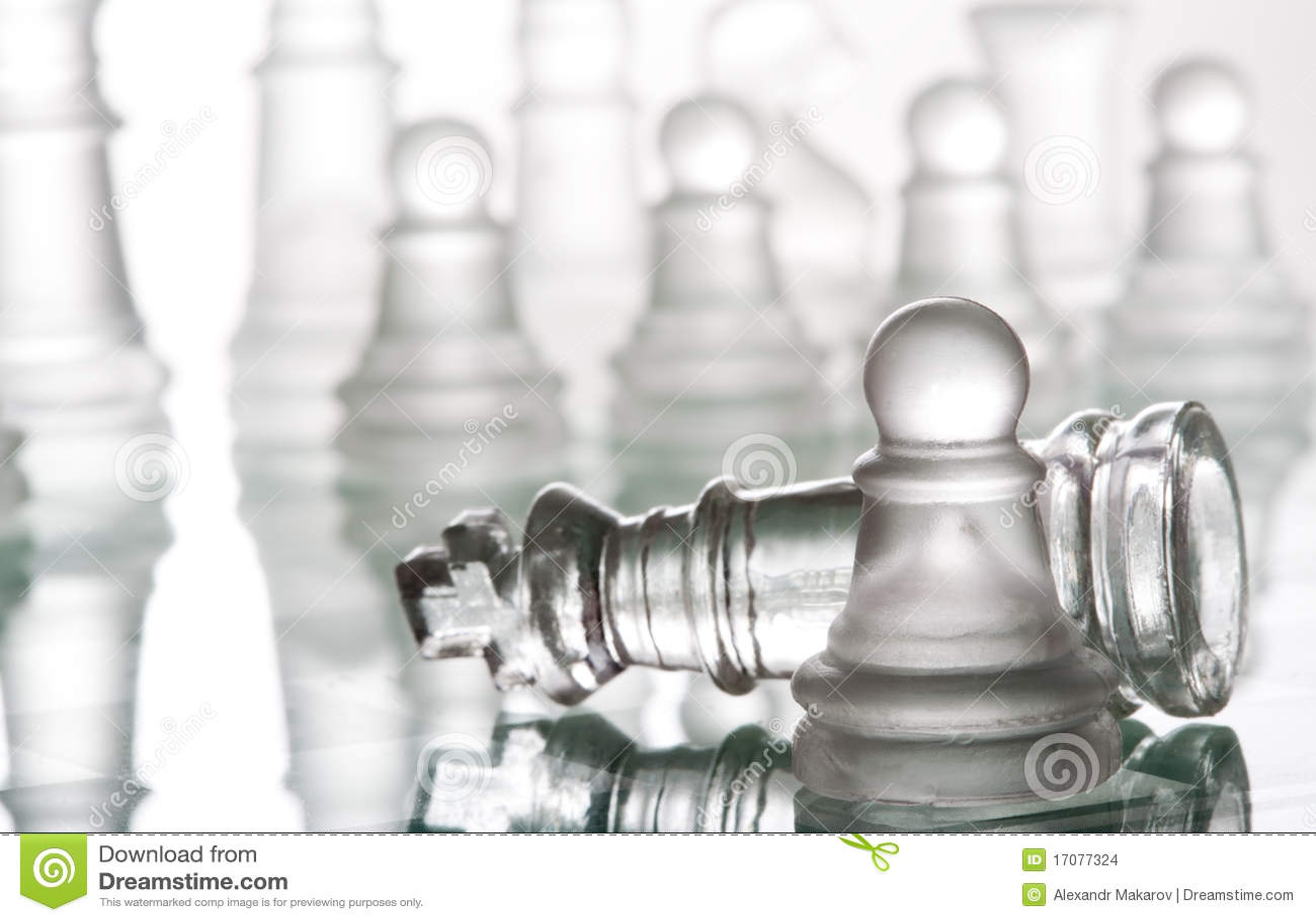 Прозрачный стеклянный шахмат