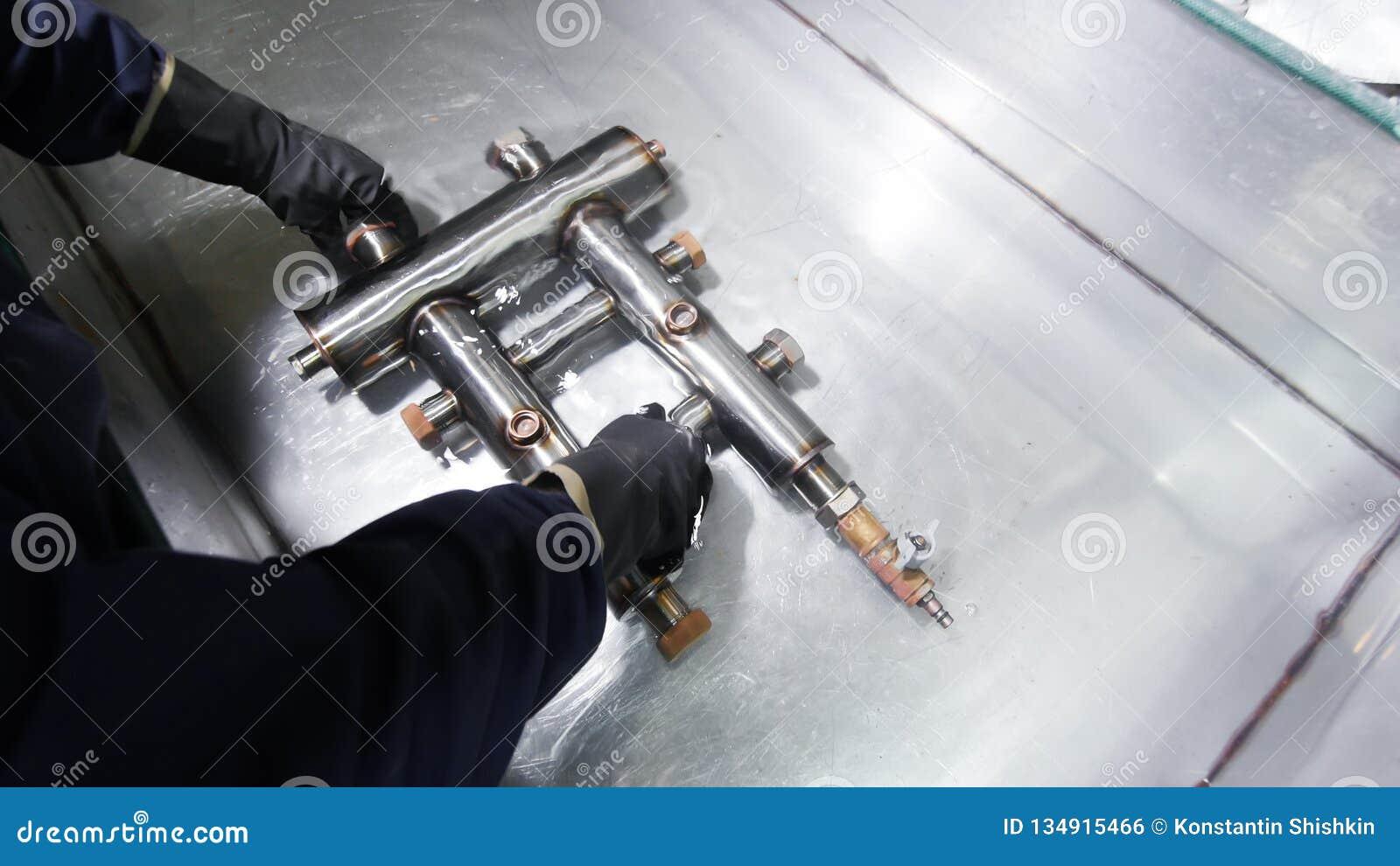 промышленное изготавливание Охлаждать сваренную деталь в воде