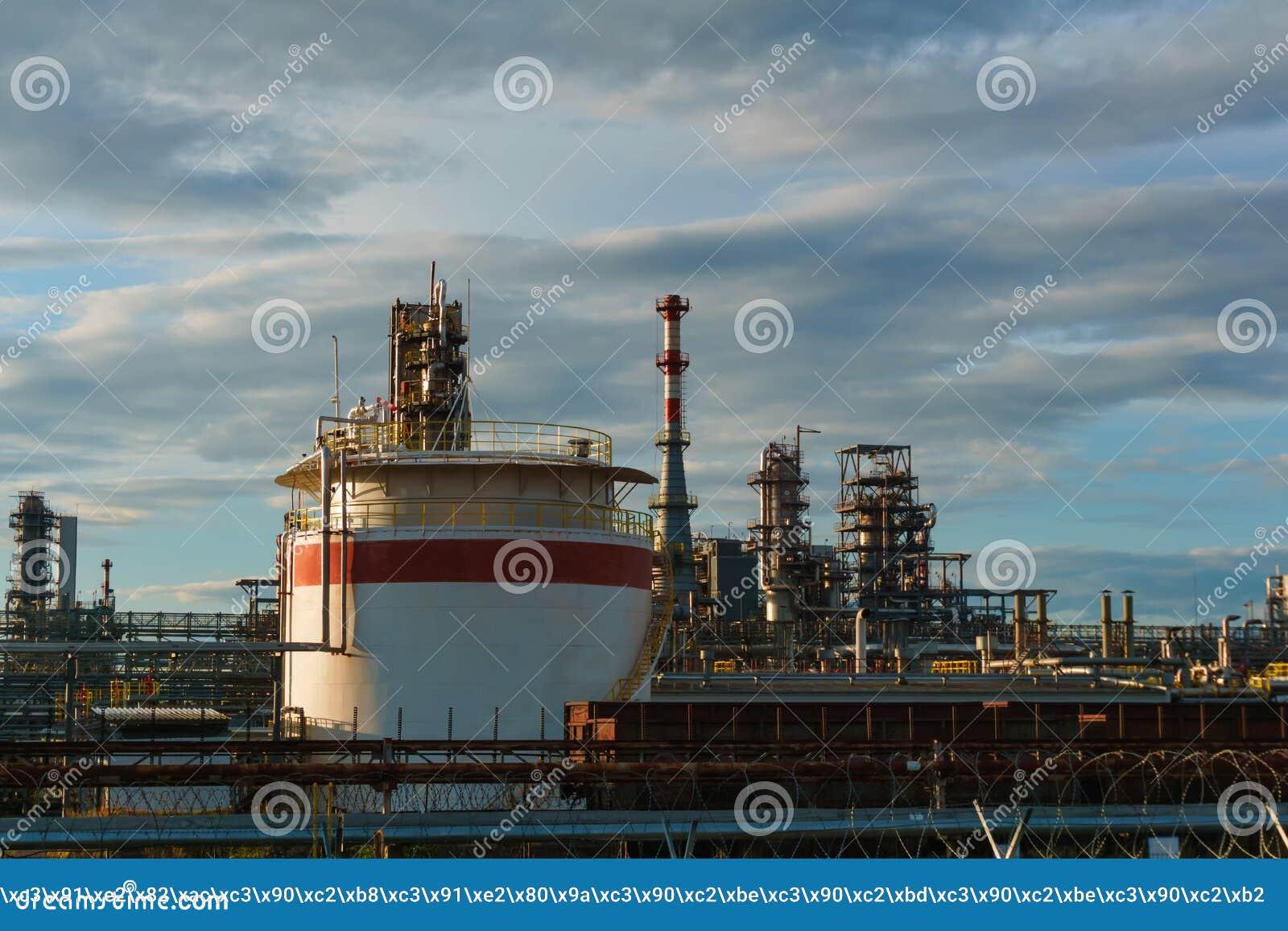 Промышленный ландшафт - рафинадный завод
