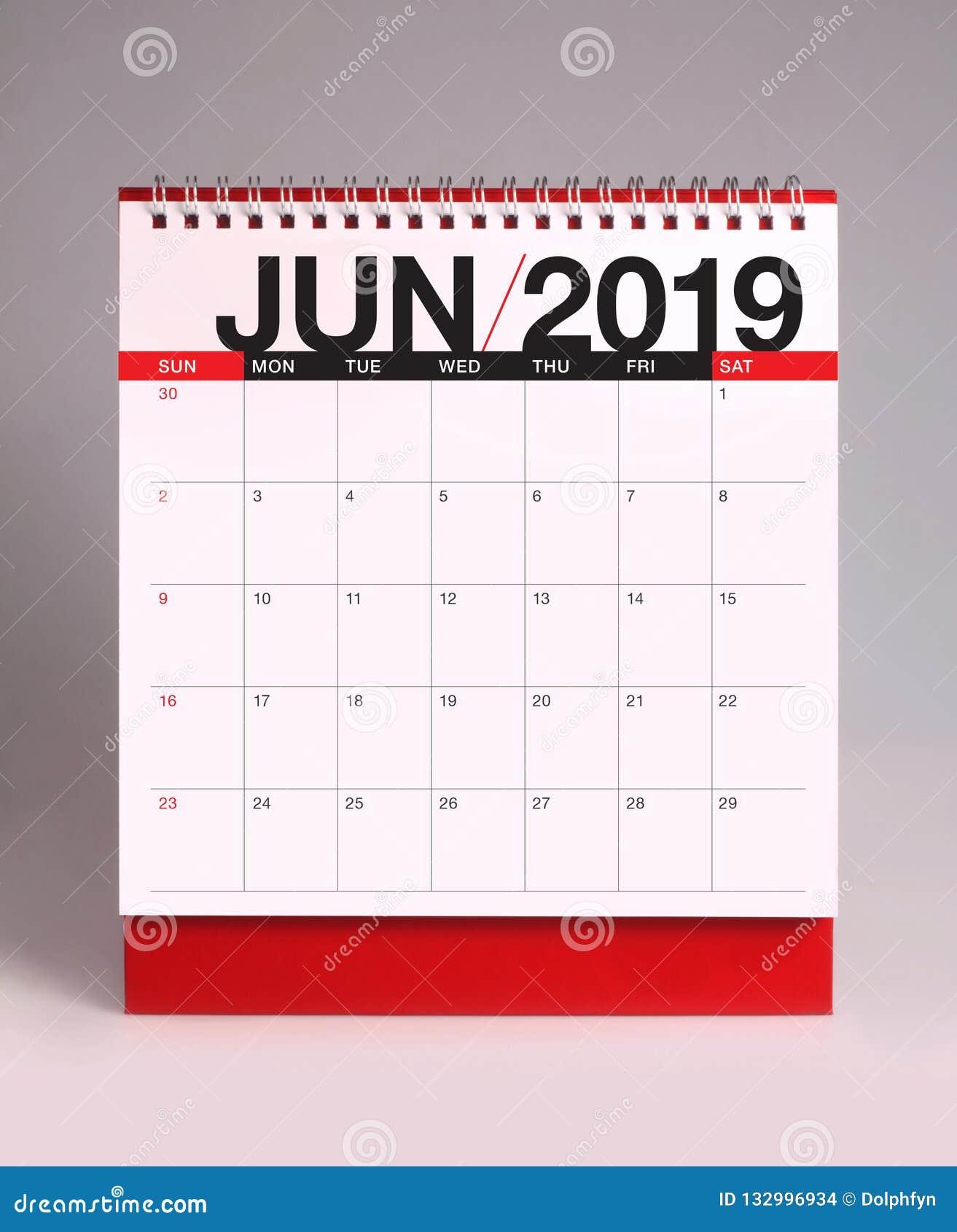 Простой настольный календарь 2019 - июнь