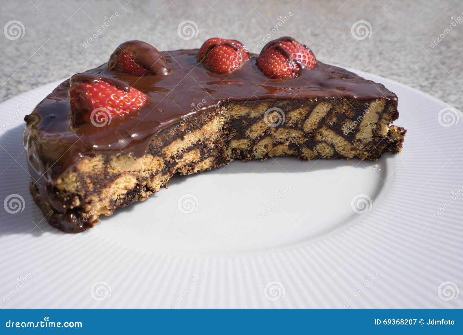 Шоколадный торт сделанным