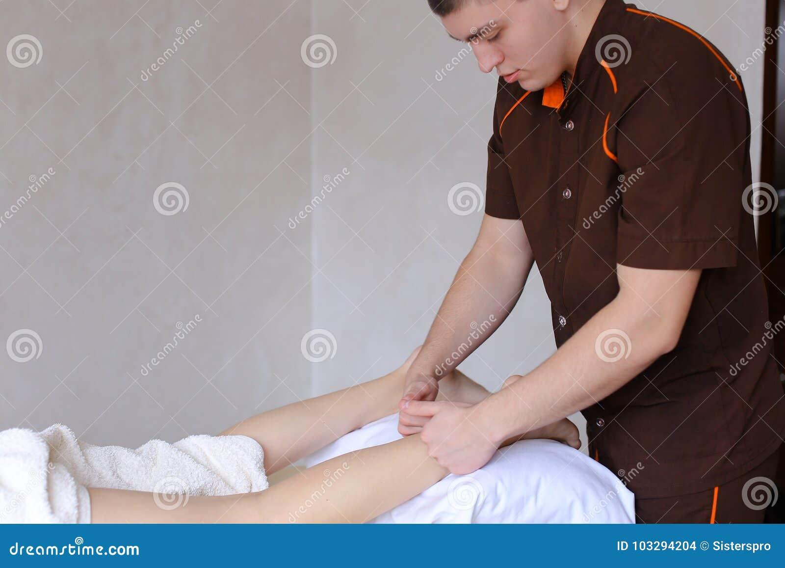Женщины пришли на массаж — img 15