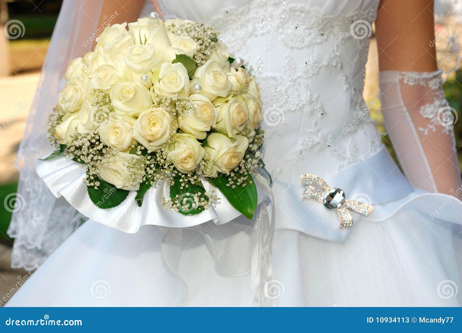 пук невесты цветет венчание