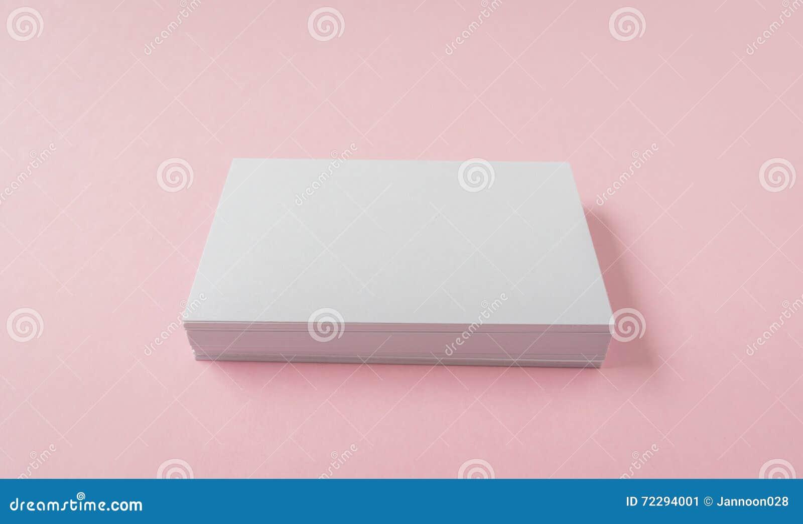 Download Пустая визитная карточка на розовой предпосылке Стоковое Изображение - изображение насчитывающей тип, предмет: 72294001