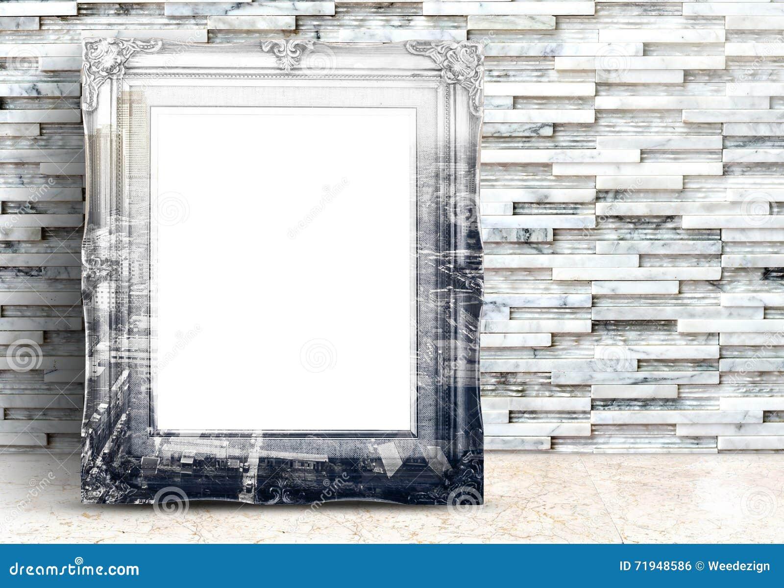 Пустое изображение города overlay на винтажной рамке на мраморном поле и