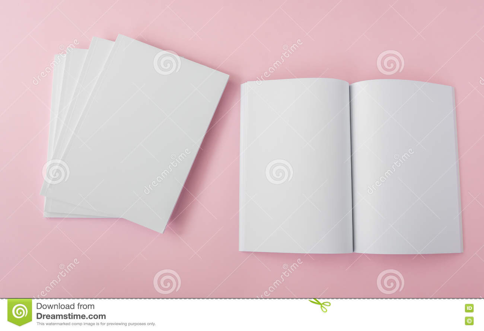 Download Пустой каталог, брошюра, кассеты, насмешка книги вверх Стоковое Фото - изображение насчитывающей bonnet, уговариваний: 72279314