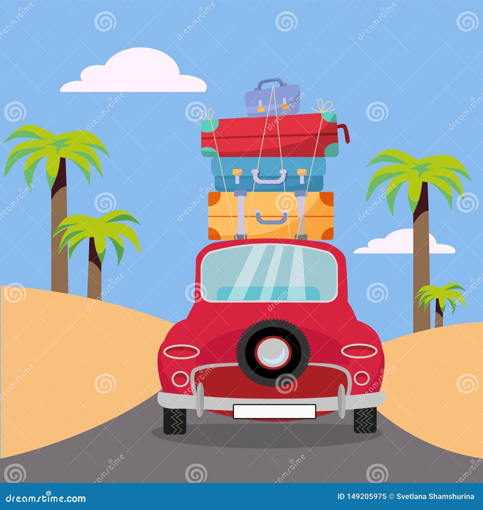 Путешествовать красным автомобилем со стогом сумок багажа на крыше около пляжа с ладонями Туризм лета, перемещение, отключение Пл
