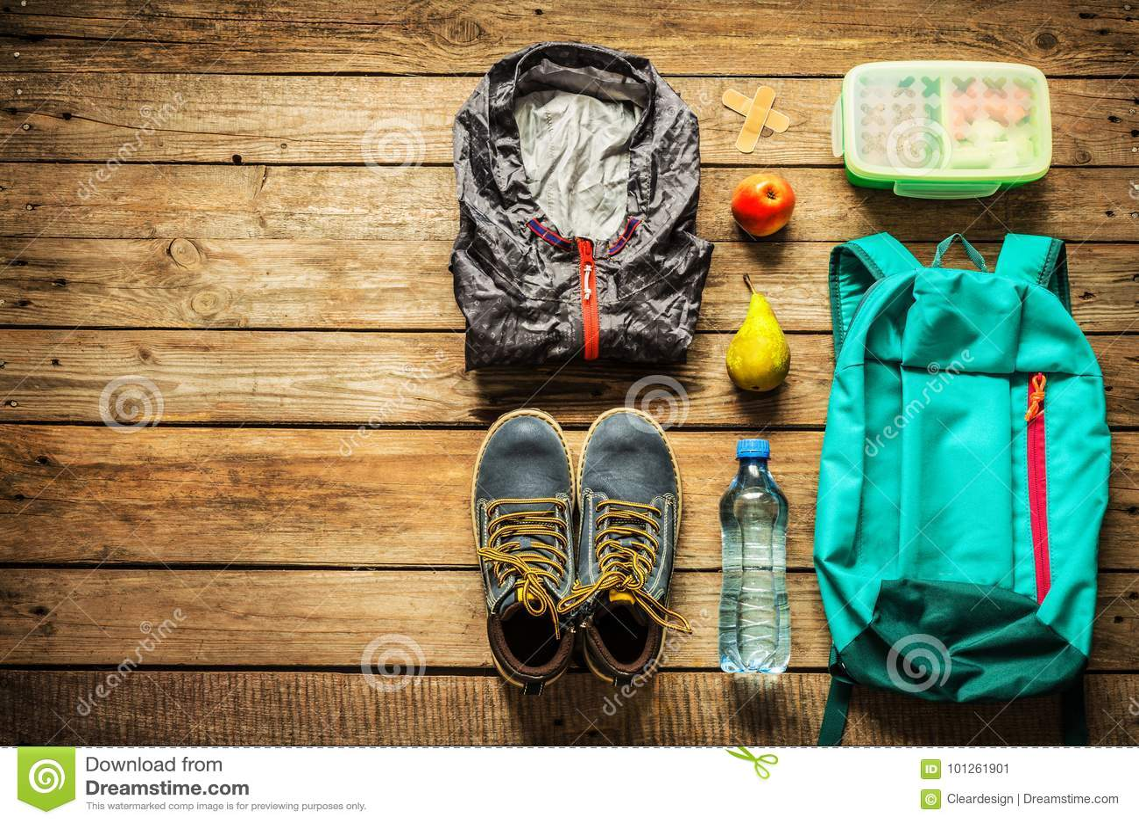 Путешествовать - упаковка подготавливая для концепции отключения приключения
