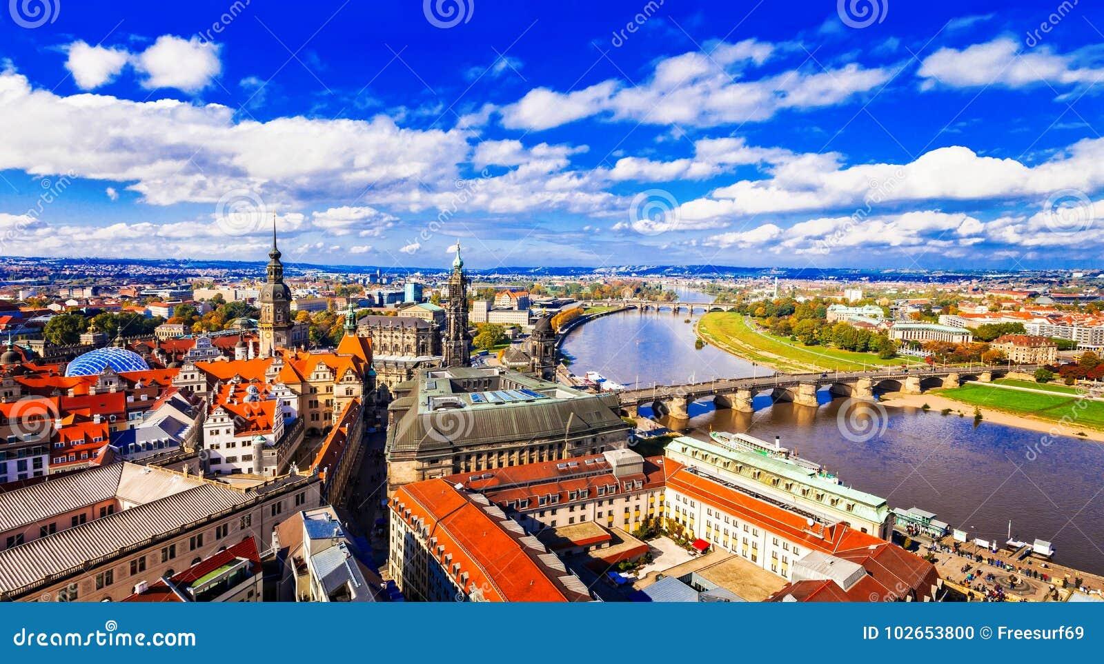 Путешествуйте в Германии - панорамном взгляде красивого Дрездена
