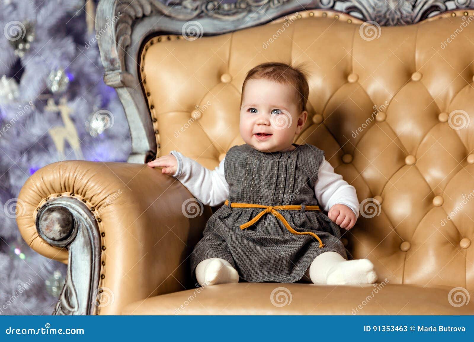 Пухлые на стуле фото фото 331-361
