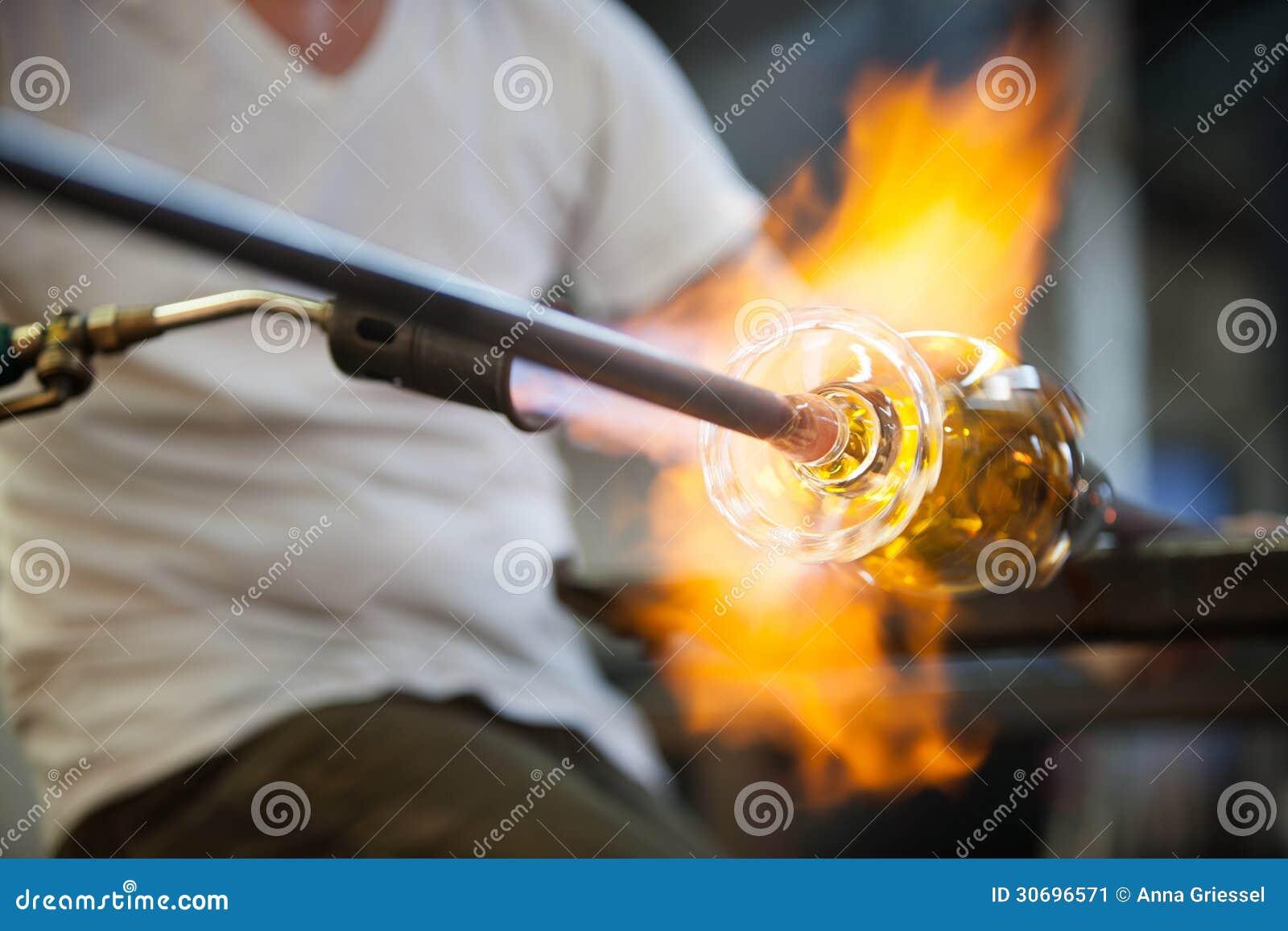 Пламена на стекле изящного искусства