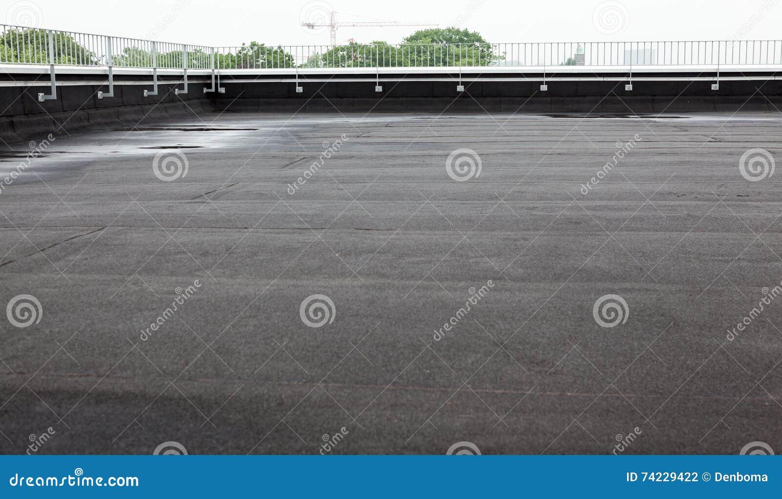 Плоская крыша с толем