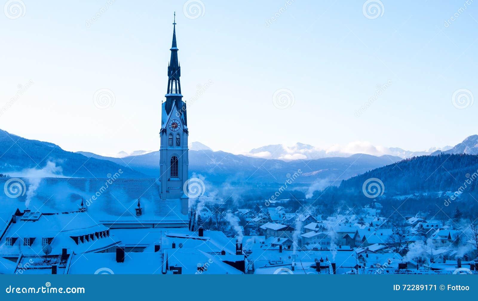 Download Плохое Toelz - Бавария стоковое изображение. изображение насчитывающей церковь - 72289171