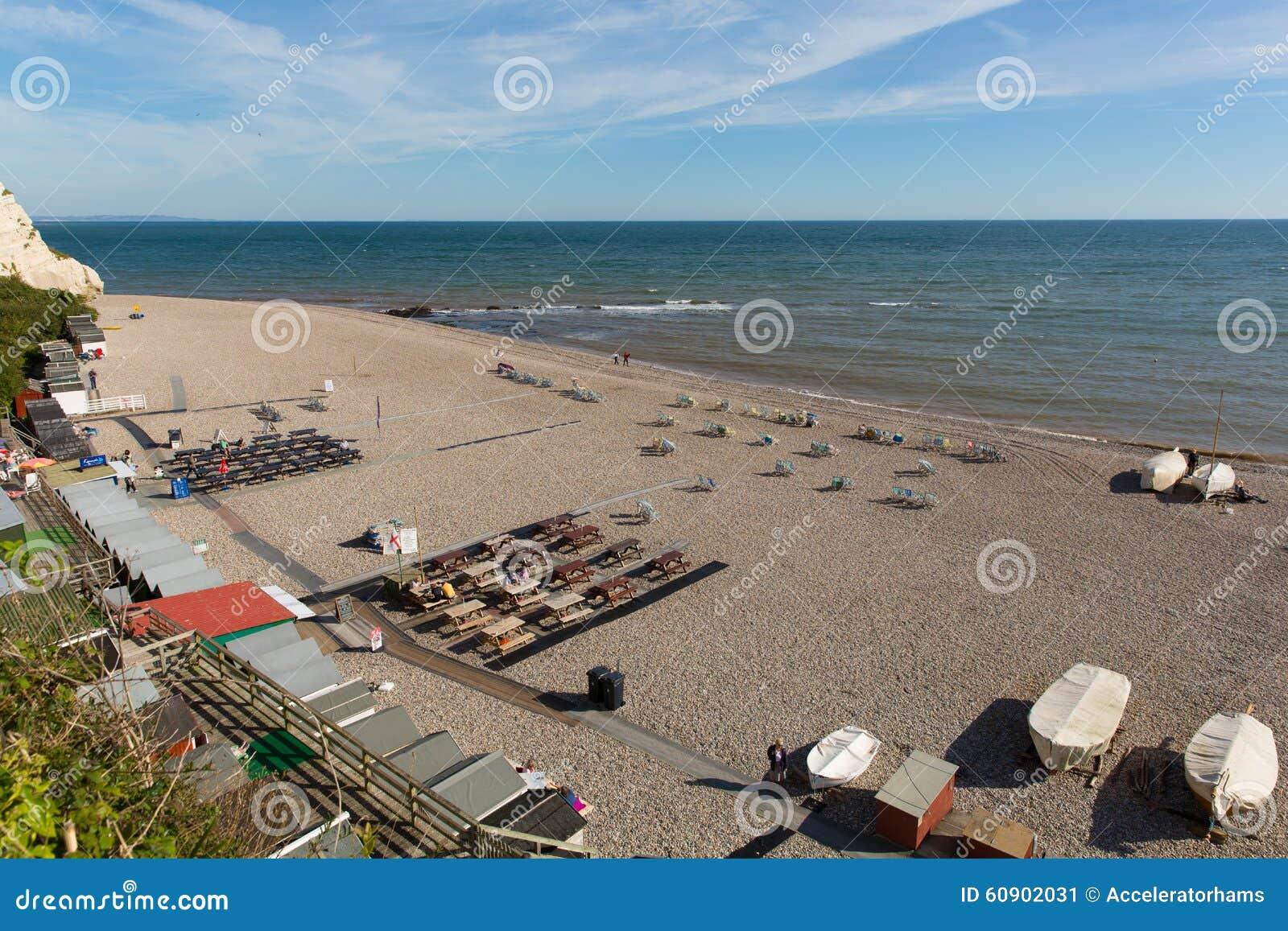 Пляж Девон Англия Великобритания пива с людьми abd шлюпок