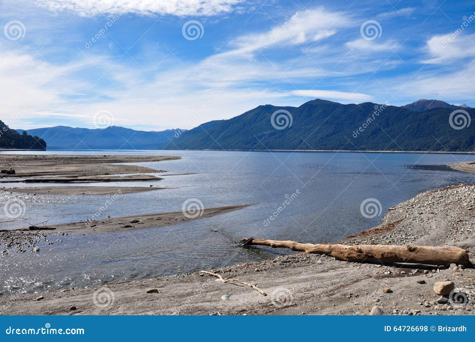 Пляж Caburgua около Villarrica, Чили