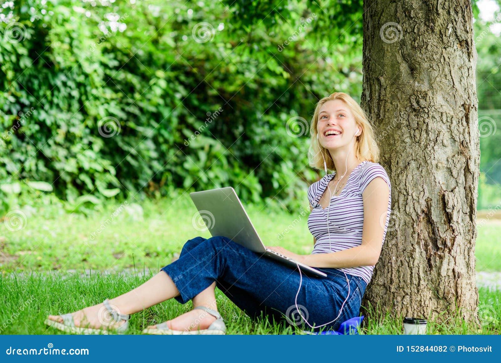 Работа для девушки на лето заработать моделью онлайн в катав ивановск