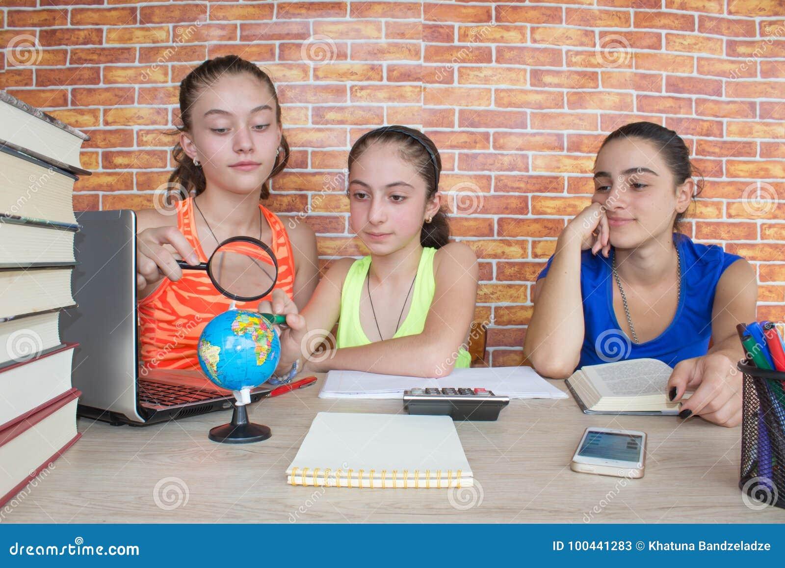 работа для девушек 3