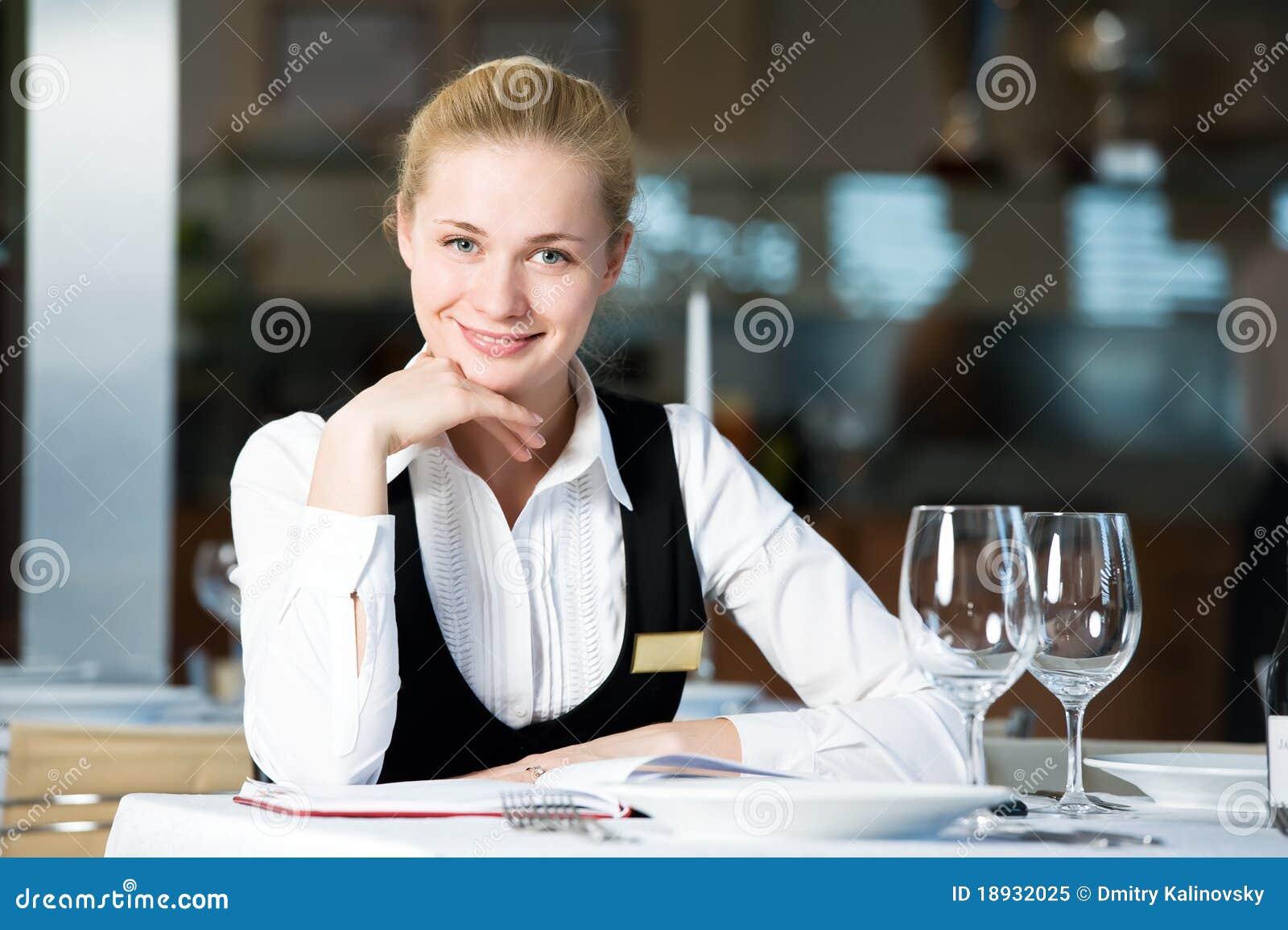 Дакайн отводит официант на утро вакансии волокна