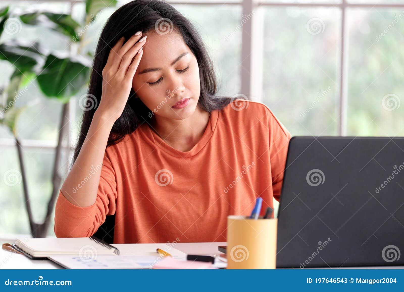 Работа в азии для девушек работа для девушек краснодар вк