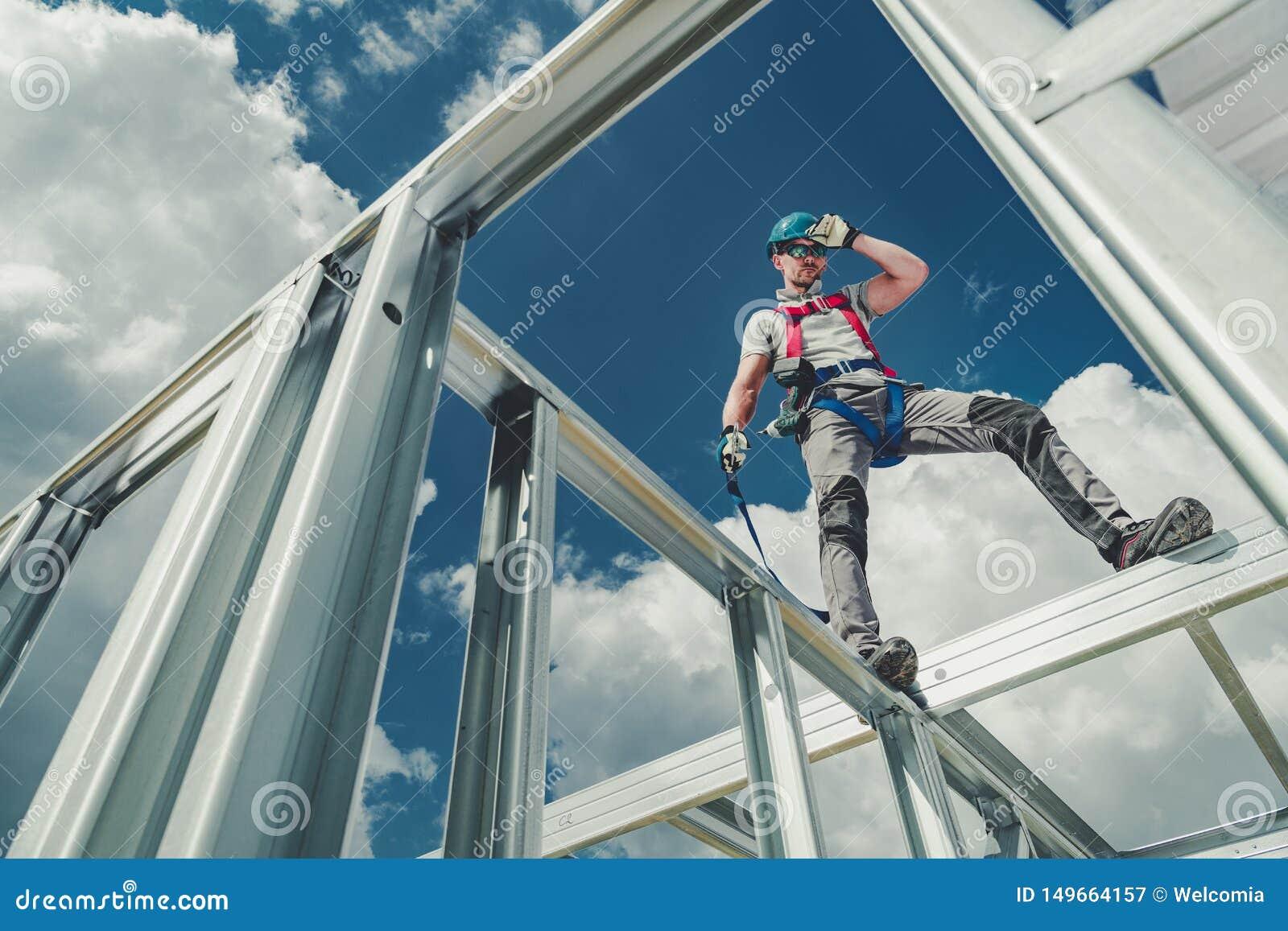 Работа используя ремни безопасности