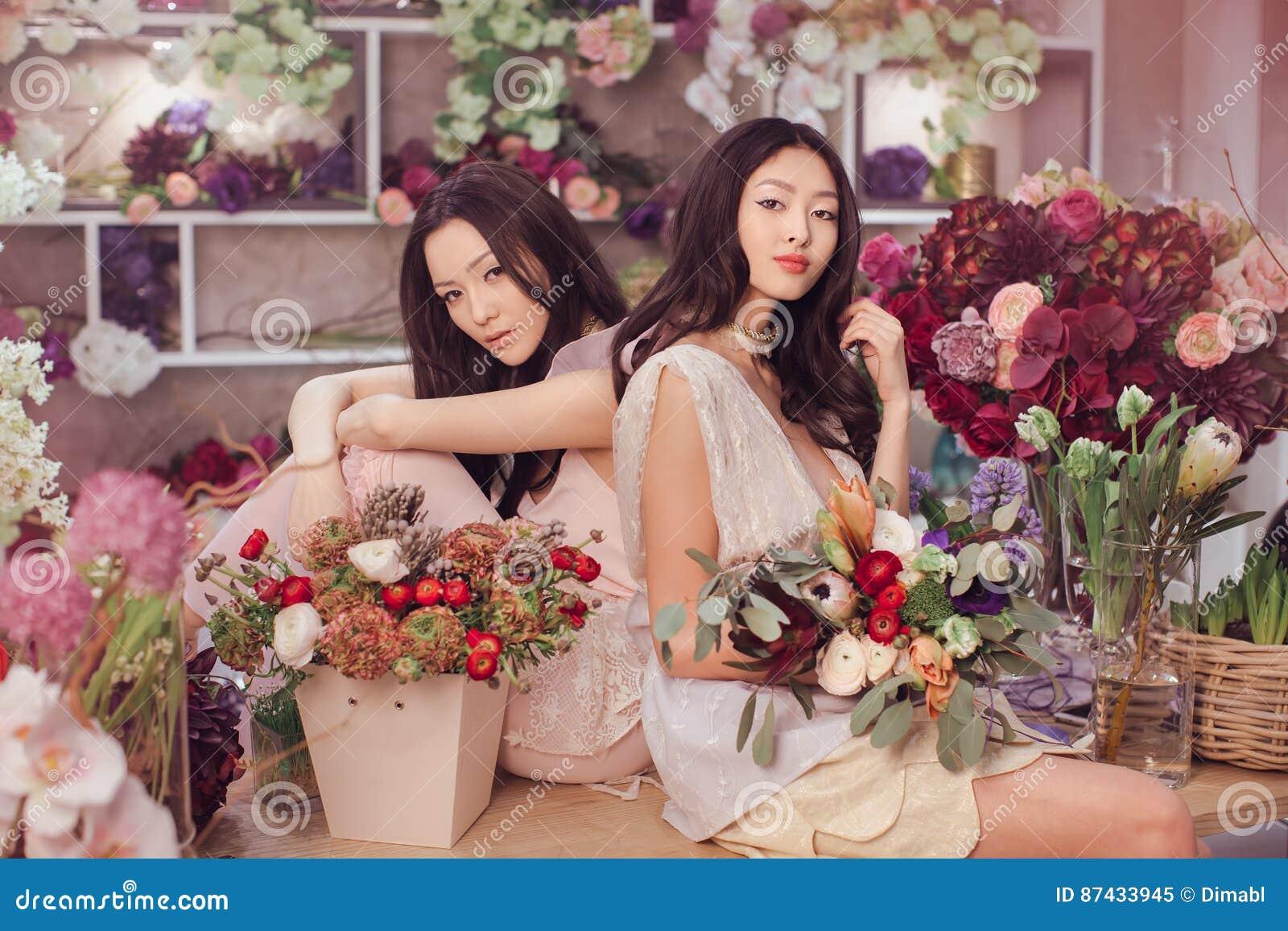 Работа для азиатских девушек дарья мещерякова