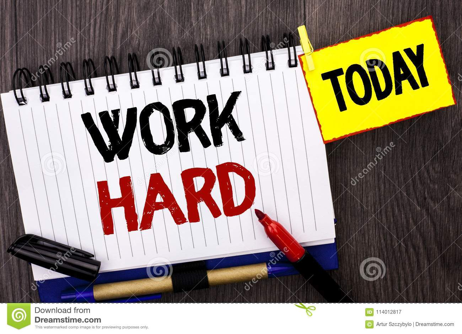 Работа текста сочинительства слова крепко Концепция дела для действия достижения мотивировки гонора усилия успеха схватки написан
