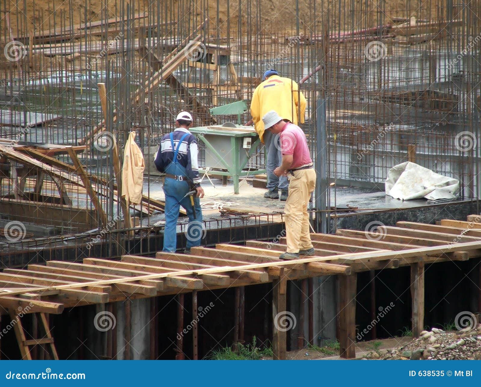 Download работники стоковое изображение. изображение насчитывающей ложно - 638535