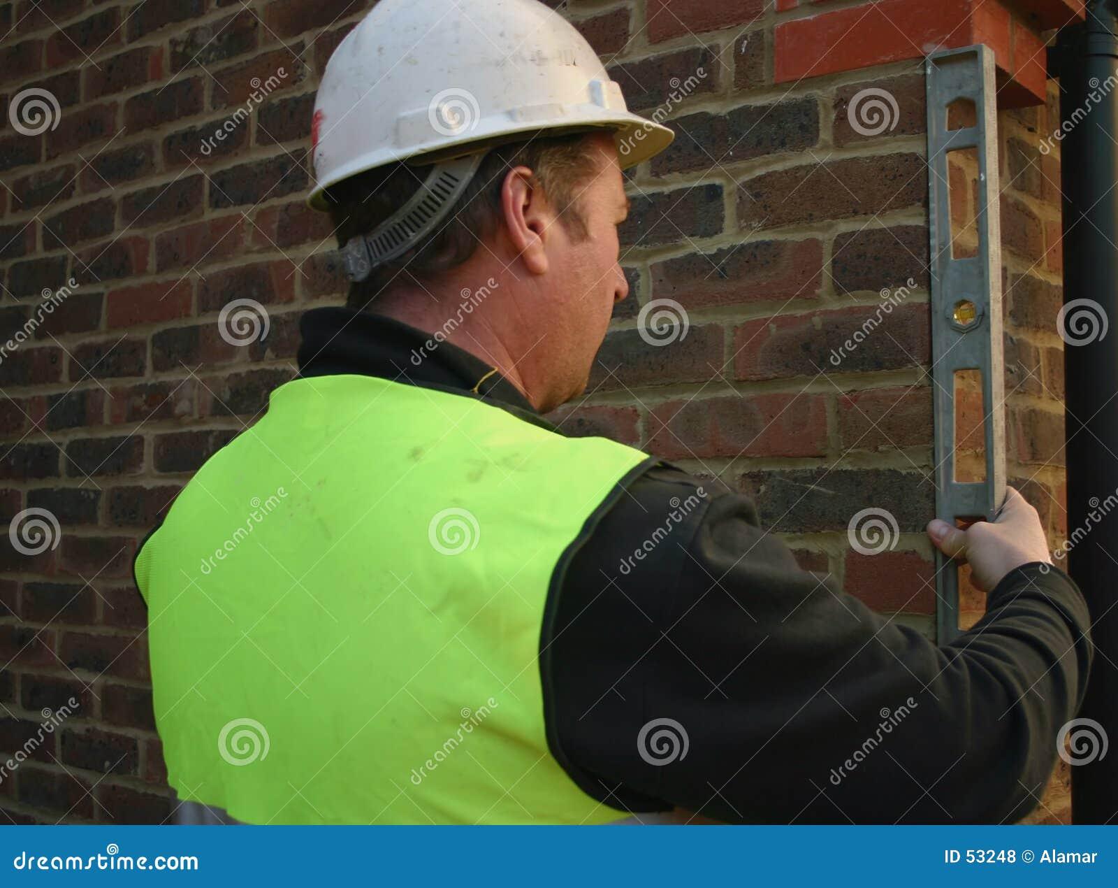рабочий-строитель 2