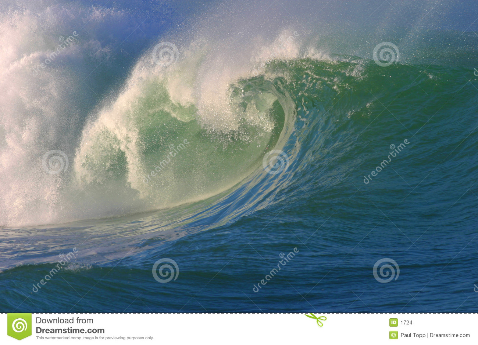 разбивая волна прибоя