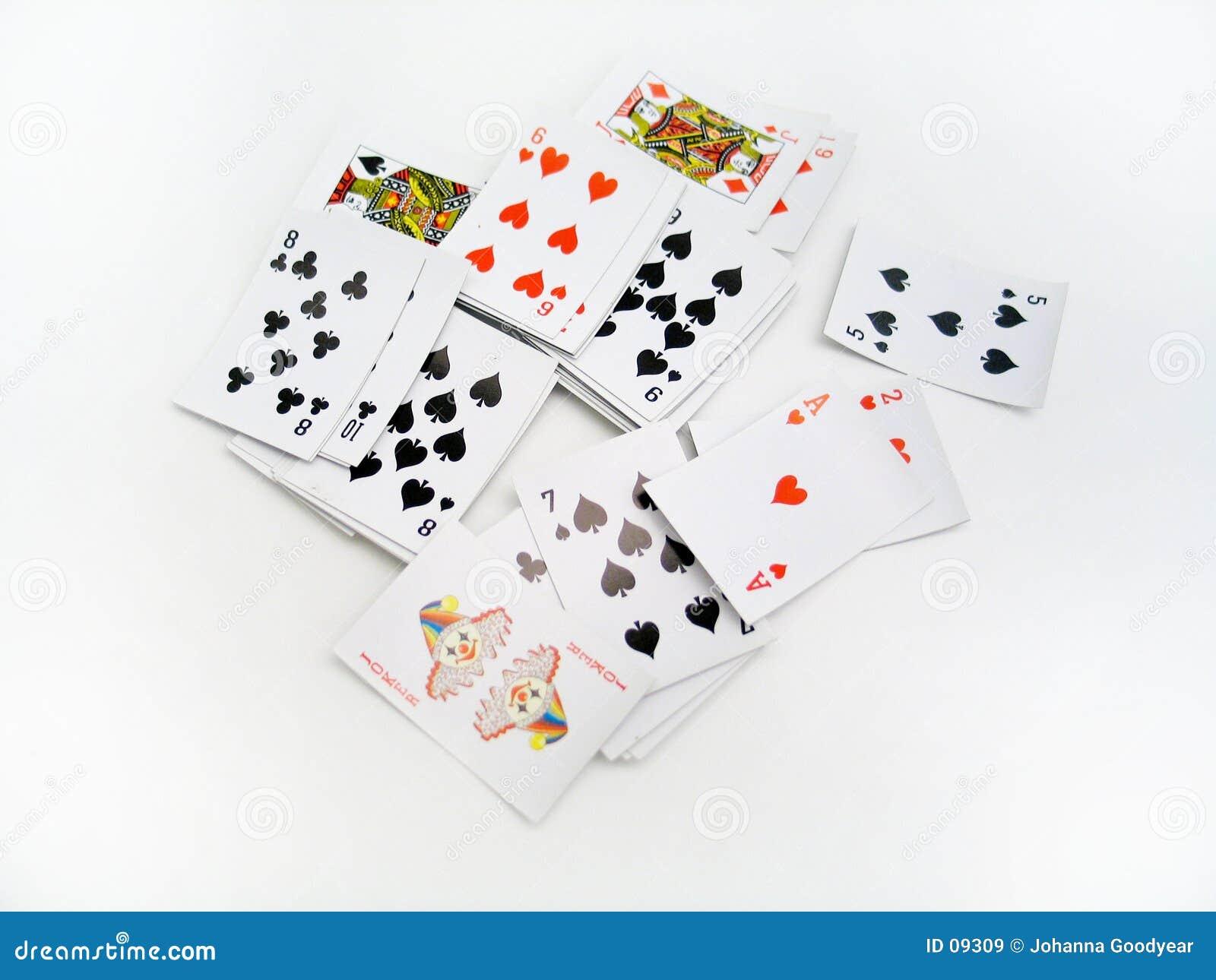 разбросанные карточки